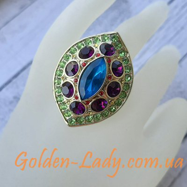 огромное кольцо с камнями