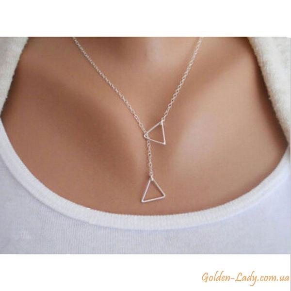 Цепь с двумя треугольниками серебристая