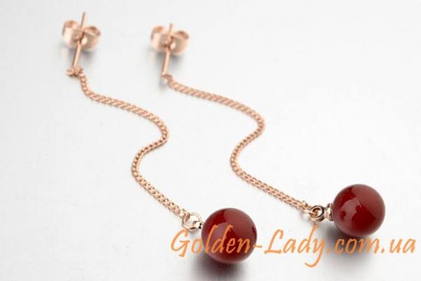 висячие сережки с красной жемчужиной