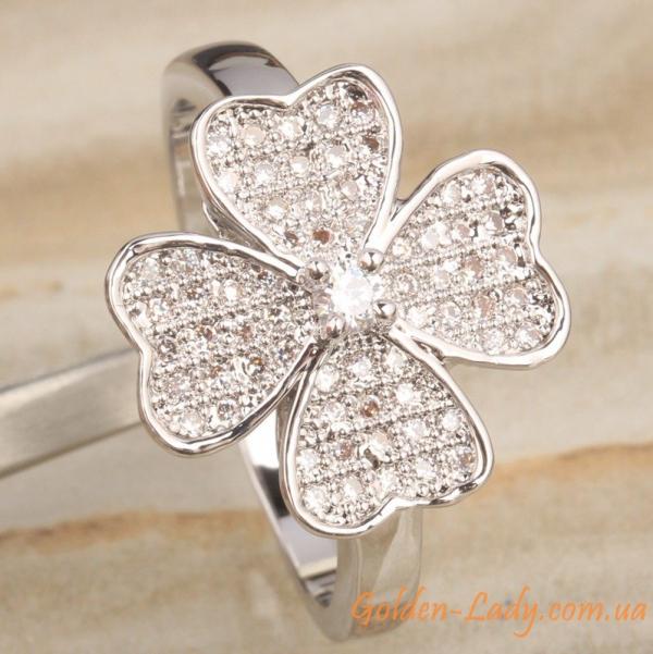 Кольцо в форме большого цветка