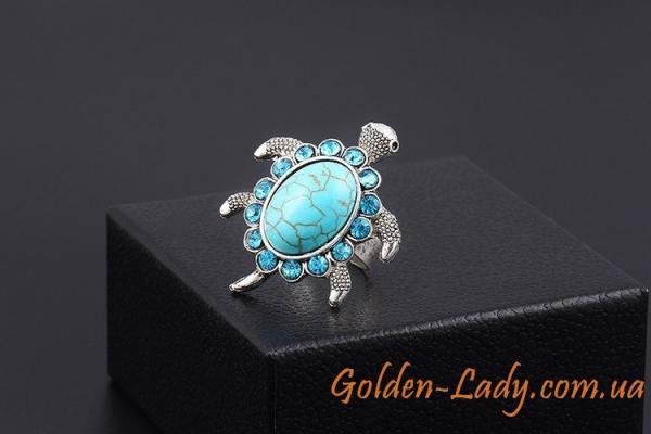 кольцо в форме морской черепахи с камнями