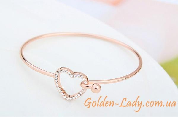 красивый браслет с сердечком