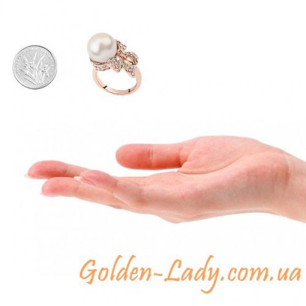 сравнение размера кольца Жемчужины и монеты
