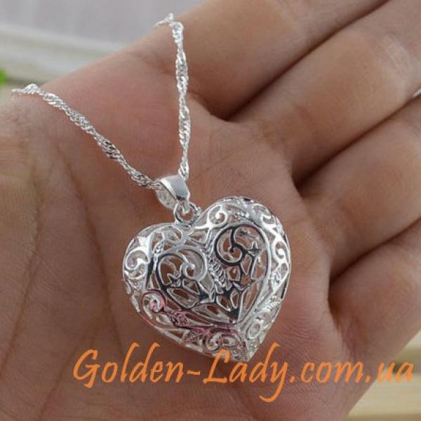 Серебряный кулон в форме сердца