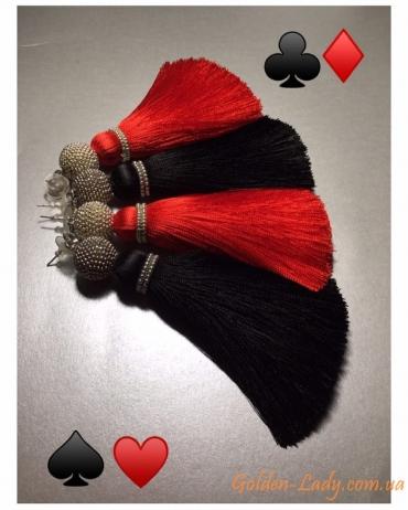 Красные и черные серьги кисти