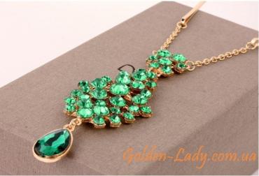 кулон на лоб с зелеными камнями