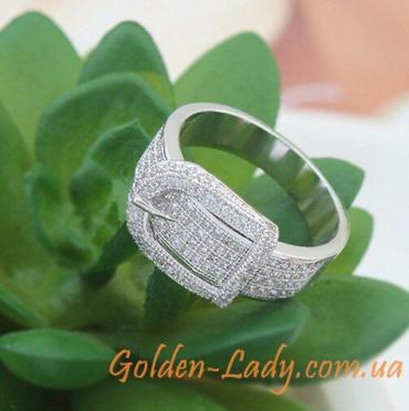 кольцо в виде пряжки ремня белое золото