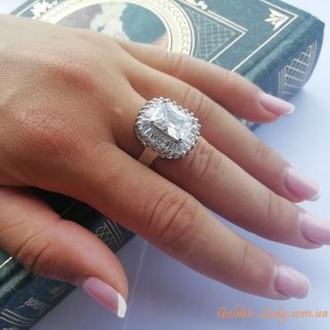 """Кольцо """"Герда"""" с большим белым камнем"""