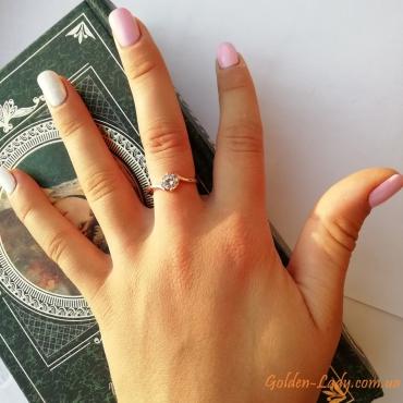 Кольцо с фианитом помолвочное