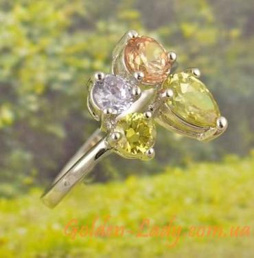 Модное кольцо с разноцветными камнями