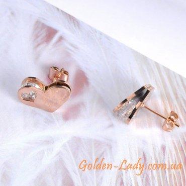 маленькие сережки в форме сердечек