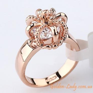 Золотое кольцо в виде короны
