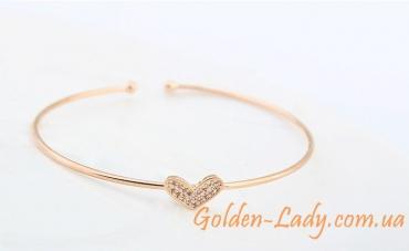Тонкий золотой браслет с сердечком