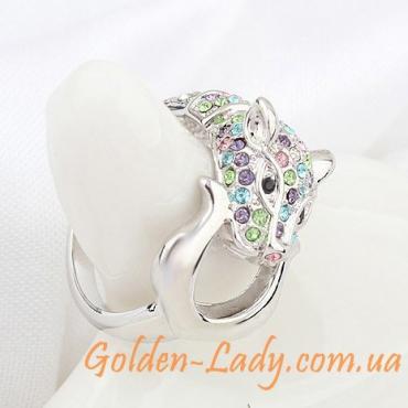 кольцо в виде кошки пантеры с камнями