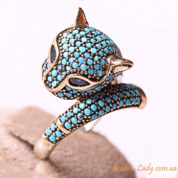 серебряное кольцо в виде кошки